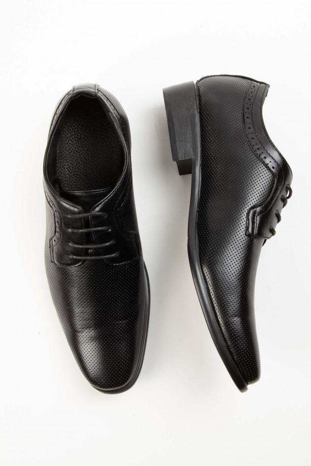 Zapato de vestir con micrograbado